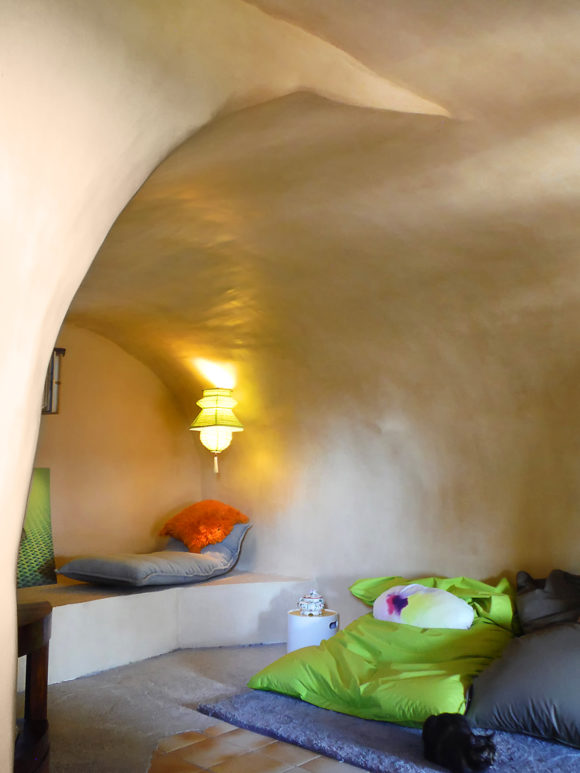 Alcove cocooning